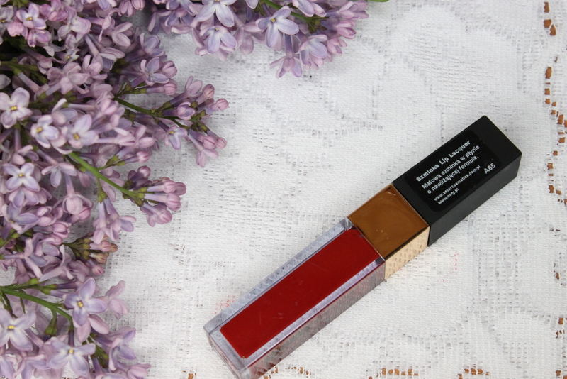 lip-lacquer-astor-czerwień