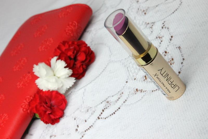 Max-Factor-Lipfinity-Long-Lasting-Lipstick