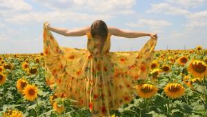 zwiewne-sukienki-na-lato