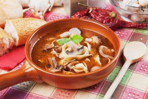 zupa borowikowa z makaronem