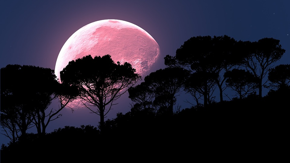 Truskawkowy Księżyc
