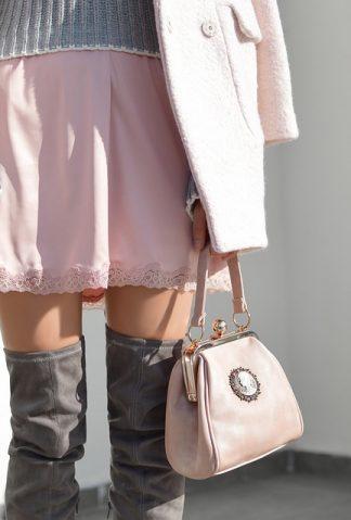 czy kobiecie po czterdziestce wypada nosić mini