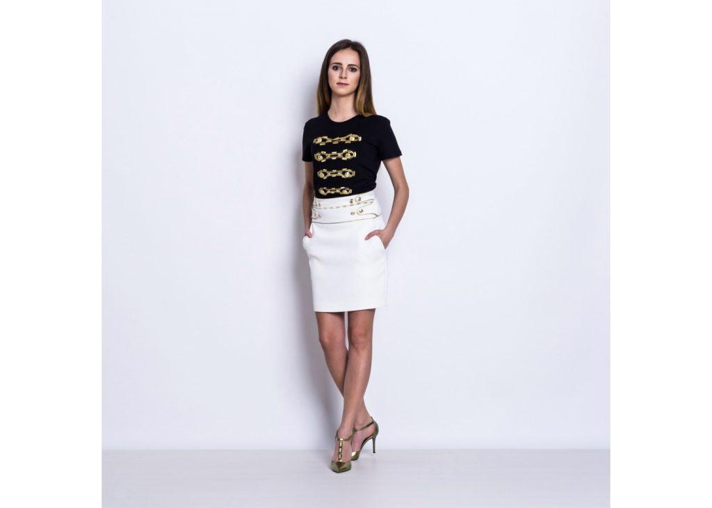 biała spódniczka ze złotymi przeszyciami