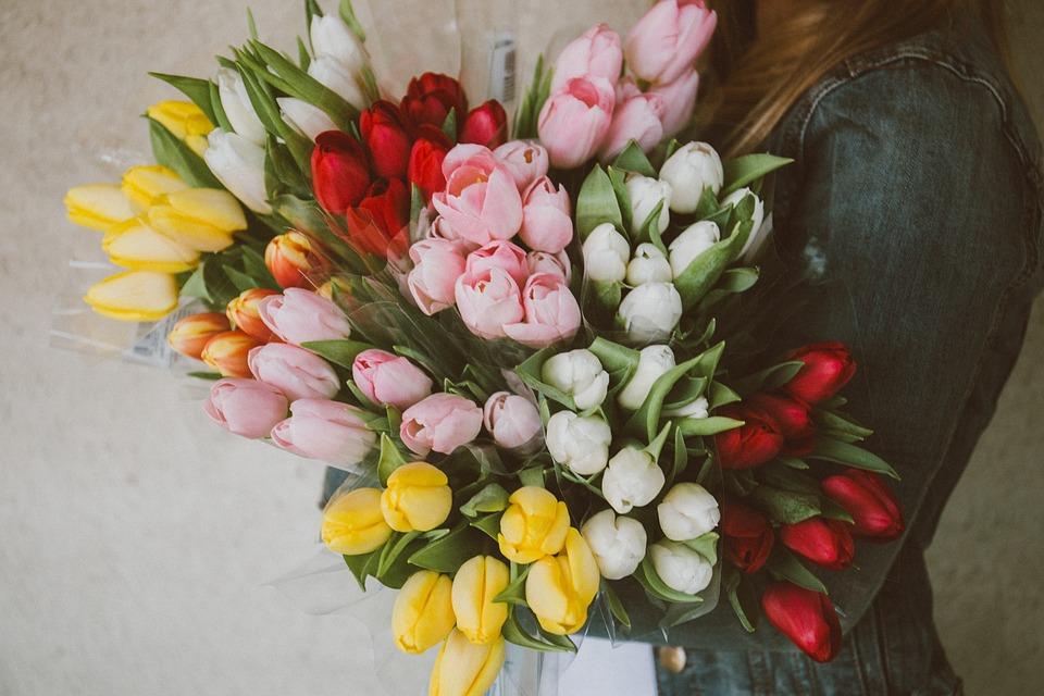 Jakie Znaczenie Maja Kwiaty Od Faceta Dojrzalakobieta Pl
