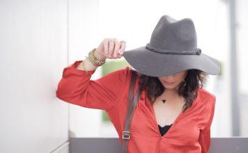 moda dla kobiet z małym biustem