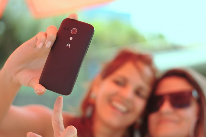 jak zrobić ładne wakacyjne selfie