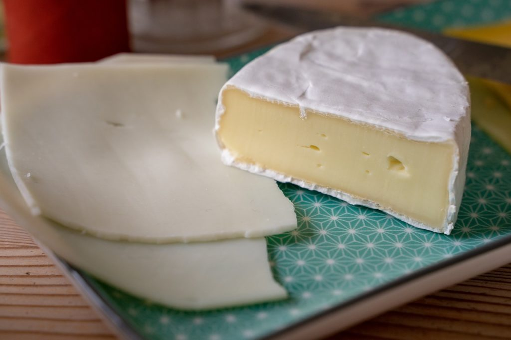 Uważaj na skażone sery w supermarketach