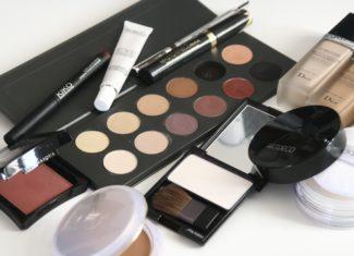 Błędy popełniane przez kobiety przy wyborze kosmetyków