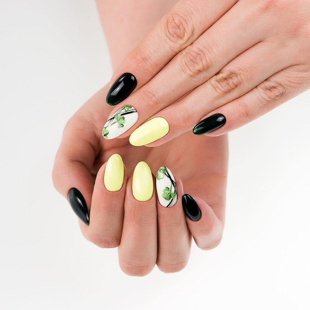 paznokcie czarno żółte