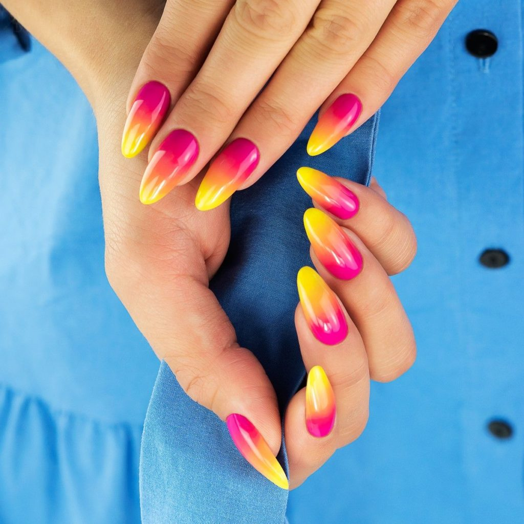 Paznokcie różowo-żółte