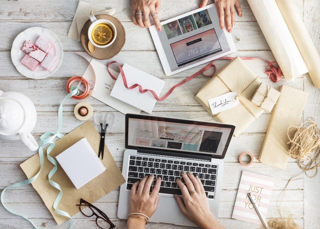 5 pomysłów na zarabianie bez wychodzenia z domu
