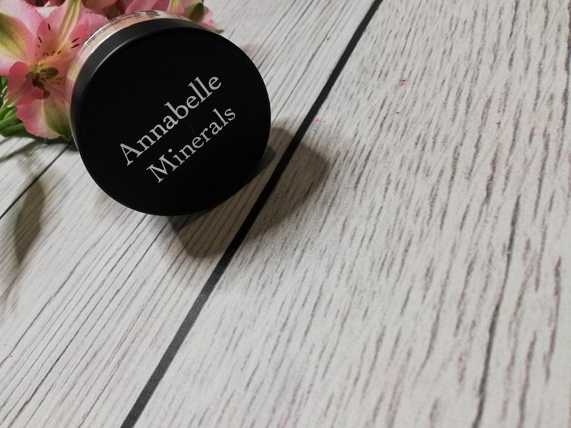 Annabelle Minerals rozświetlacz Diamond Glow