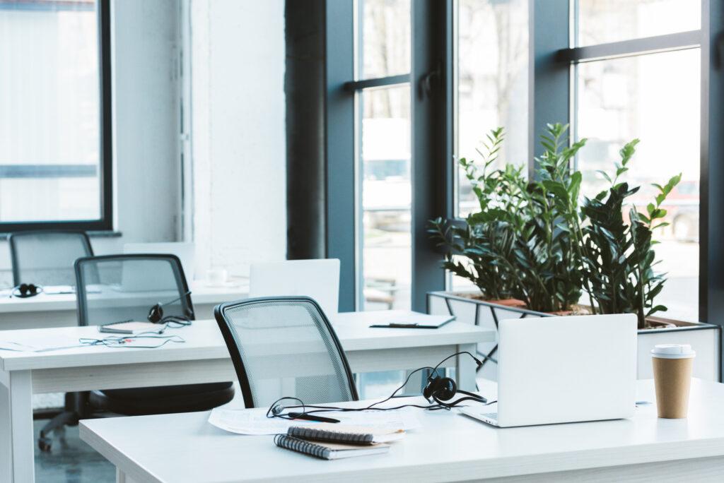 Jaki fotel do pracy biurowej wybrać