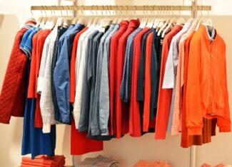 Jak rozsądnie kompletować garderobę na wiosnę