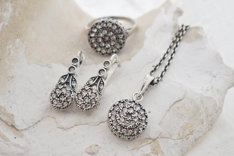 zestaw srebrnej biżuterii