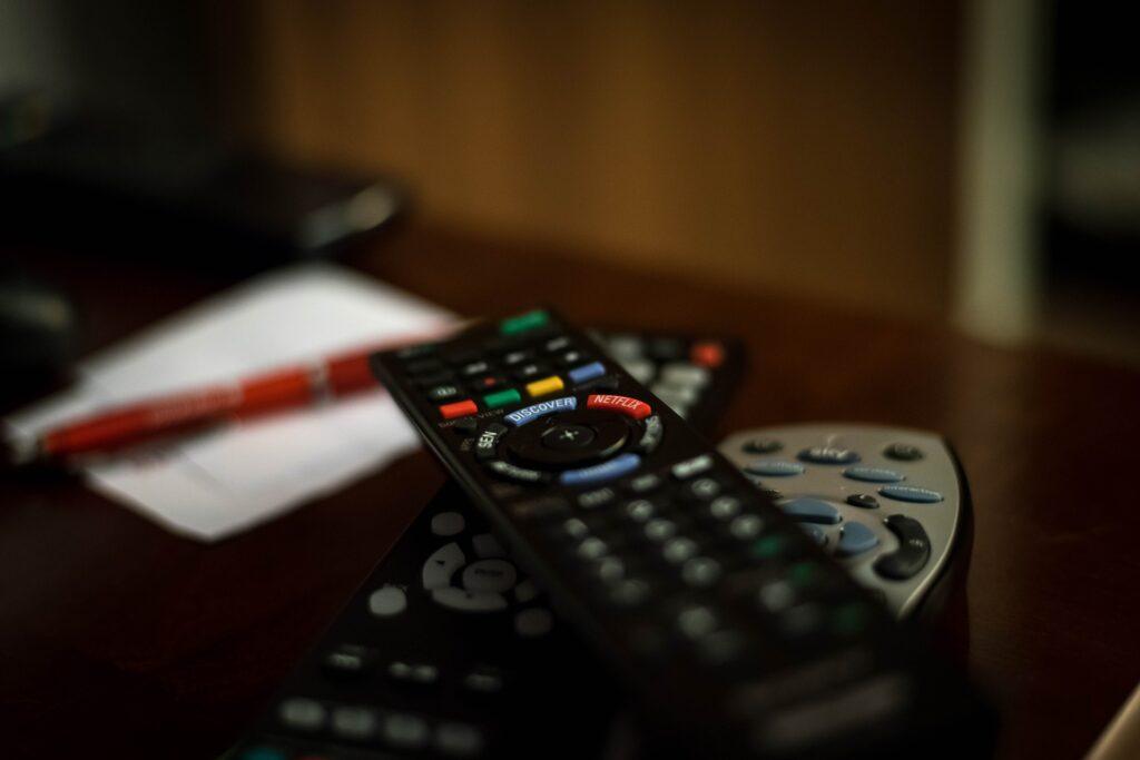 Jak oglądanie telewizji wpływa negatywnie na nasze samopoczucie