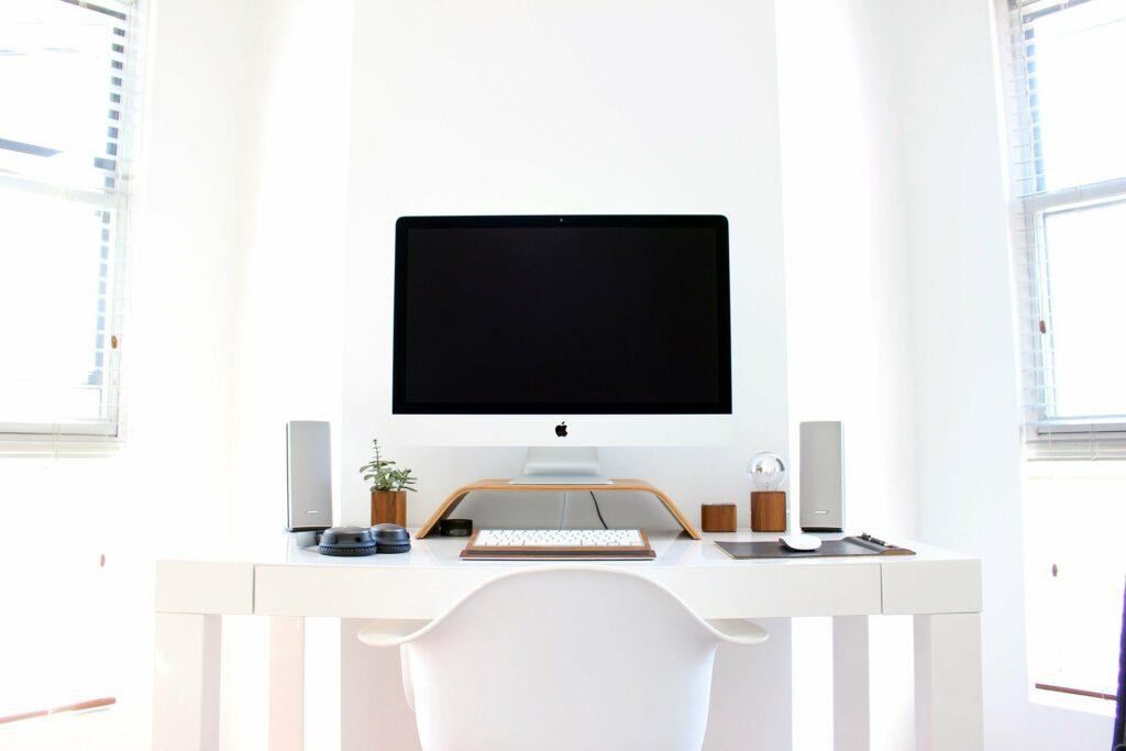 Trzy urządzenia, które powinny znaleźć się w każdym biurze
